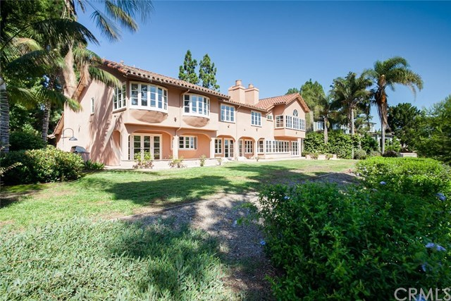 26 Royal St George Road Newport Beach, CA 92660