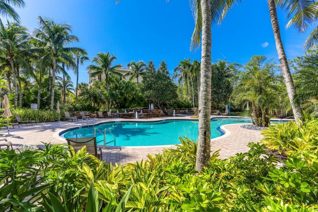 2380 Tiburon Boulevard East, Unit 101 Naples, FL 34109
