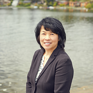 Peggy Au-Yeung,                     Agent in Seattle - Compass