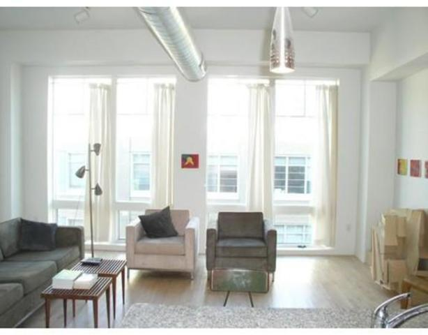139 East Berkeley Street, Unit 501 Image #1