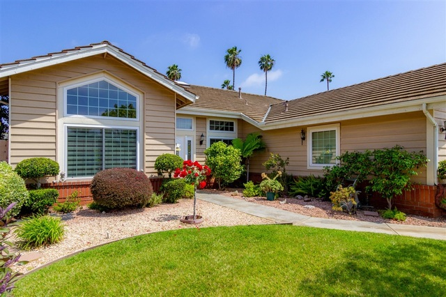 1762 Edgebrook Place Escondido, CA 92026