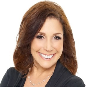 Lisa Golden,                       Agent in San Diego - Compass