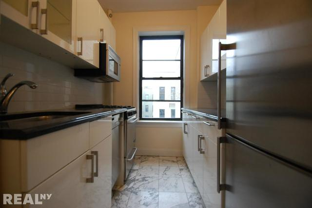 176 East 3rd Street, Unit 6C Image #1