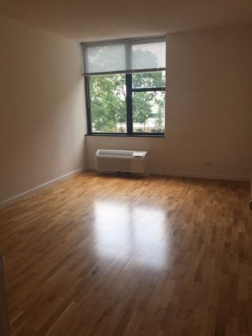 375 South End Avenue, Unit 4J Image #1