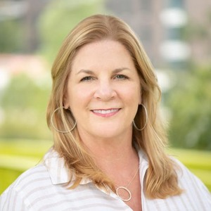 Tracy Murski,                       Agent in Houston - Compass