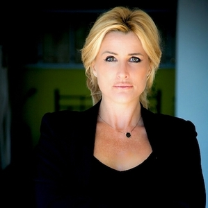 Eva Fairchild,                       Agent in Los Angeles - Compass
