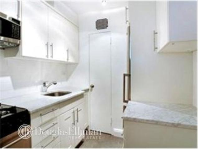 150 East 61st Street, Unit 8K Image #1
