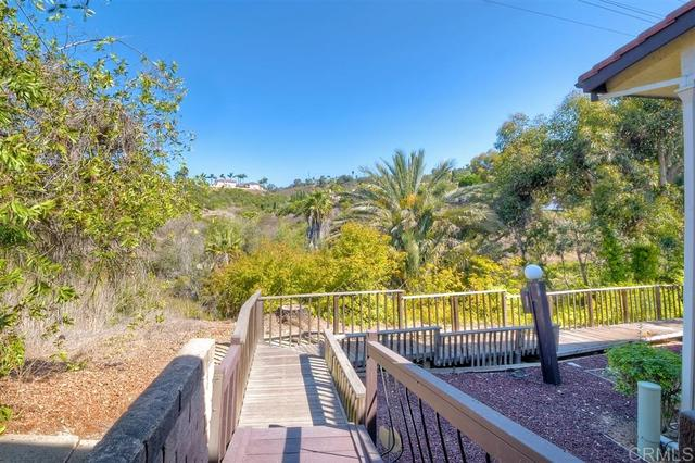 2402 Altisma Way, Unit E Carlsbad, CA 92009