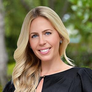Monica Williams,                       Agent in Miami - Compass