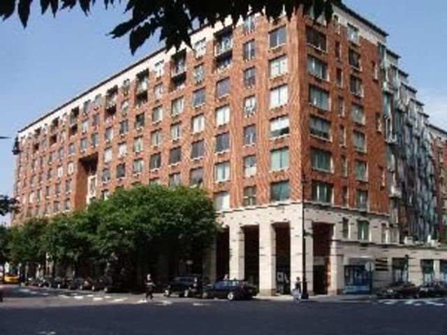 21 South End Avenue, Unit 613 Image #1