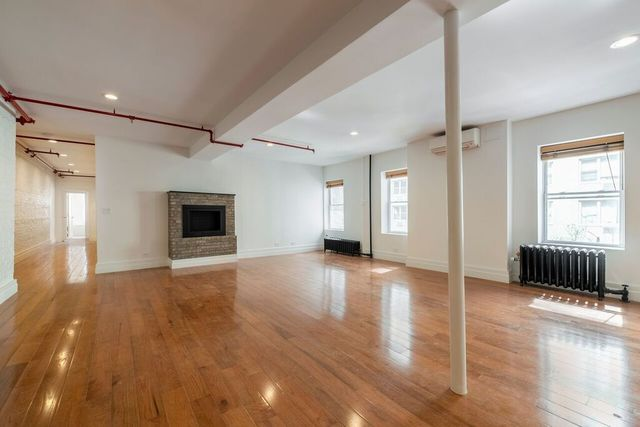 200 East 37th Street, Unit 3 Image #1