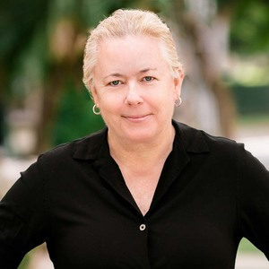 Pam Griffiths,                       Agent in Los Angeles - Compass