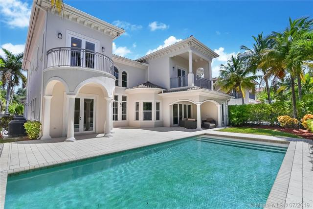 825 Meridian Lane Hollywood, FL 33019