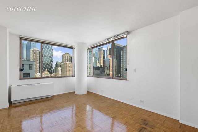 350 West 50th Street, Unit 18I Image #1