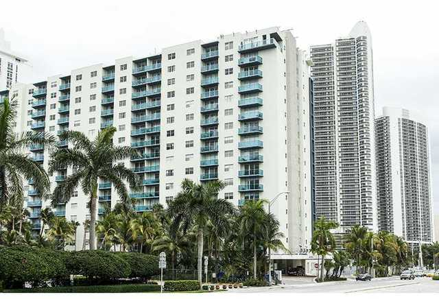 4001 South Ocean Drive, Unit 4C Image #1