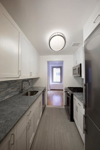 101 West 55th Street, Unit 405 Manhattan, NY 10019