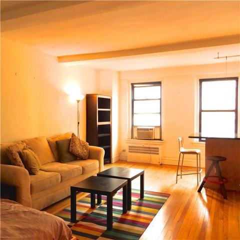 319 East 50th Street, Unit 8C Image #1