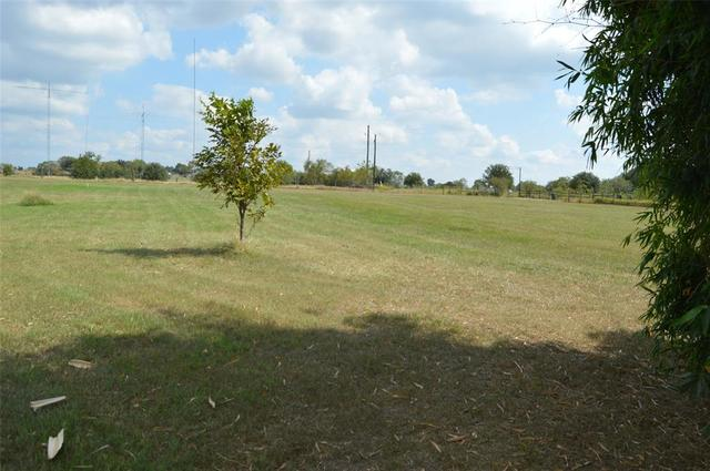 19613 Frey Road Hempstead, TX 77445