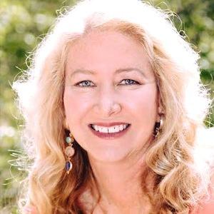 Laura Ochoa, Agent in San Diego - Compass