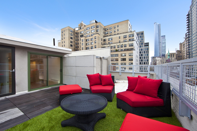 220 East 22nd Street, Unit PHE Image #1