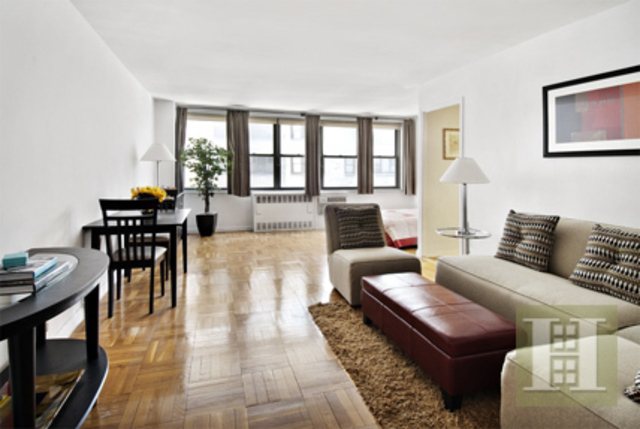209 East 56th Street, Unit 7K Image #1