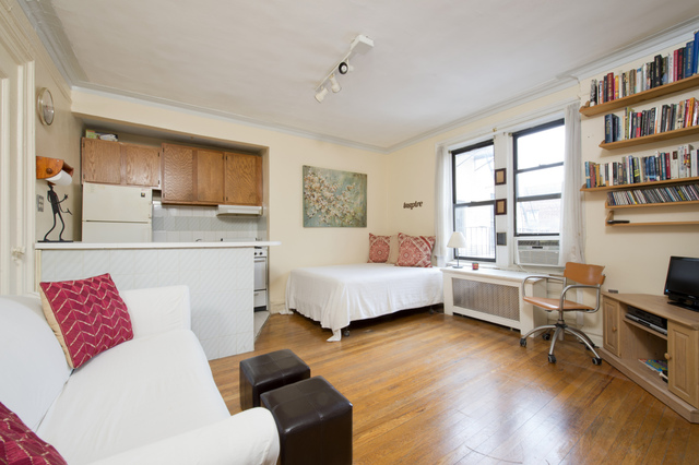 319 West 18th Street, Unit 6C Image #1