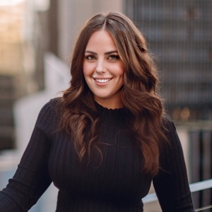 Kasey Coats,                       Agent in Dallas-Fort Worth - Compass