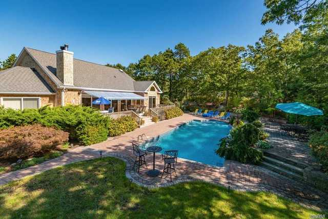 27 Hildreth Road South Hampton Bays, NY 11946