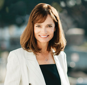 Amy Baumgartner,                       Agent in Los Angeles - Compass
