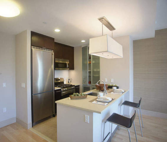 200 West 72nd Street, Unit 17D Image #1