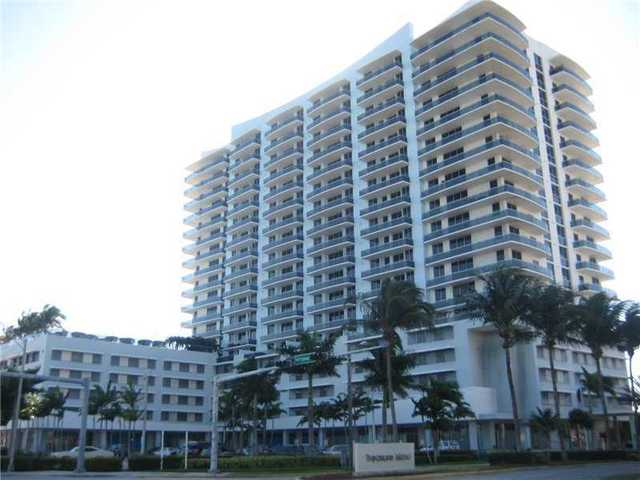 1700 Kennedy Cswy Causeway, Unit 1803 Image #1