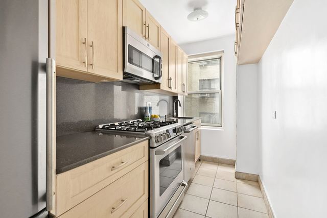 414 East 52nd Street, Unit 9C Manhattan, NY 10022