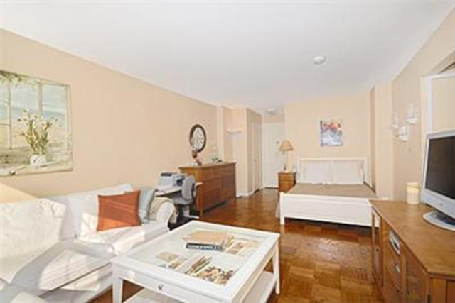 225 East 36th Street, Unit 17J Image #1