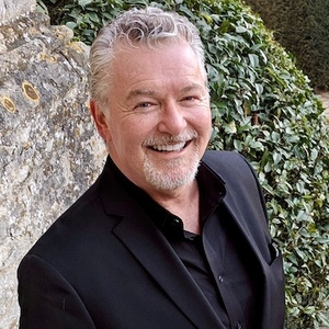 Tony Oakley, Senior Managing Director