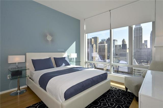 18 West 48th Street, Unit 28D Image #1