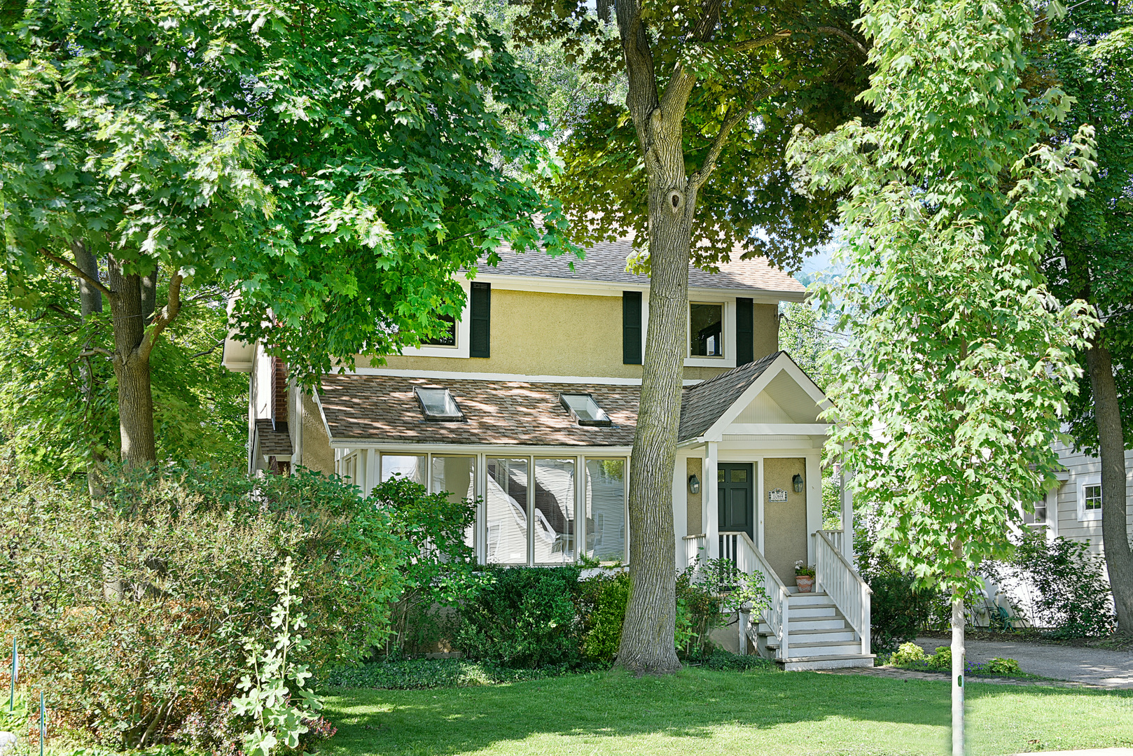 Find Homes For Sale In Hubbard Woods Chicago Compass