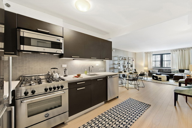 222 East 39th Street, Unit 25G Image #1