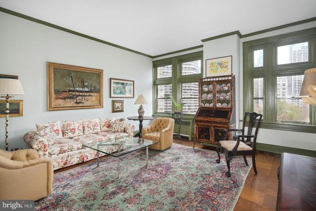 1830 Rittenhouse Square, Unit 8B Philadelphia, PA 19103
