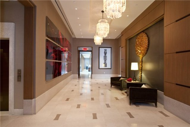 400 West 63rd Street, Unit 404 Image #1