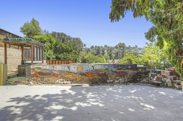 4223 Russell Avenue Los Angeles, CA 90027