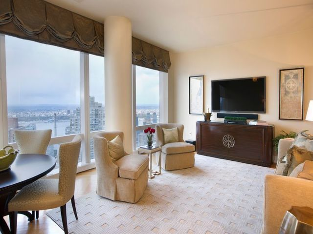 80 Columbus Circle, Unit 68F Image #1