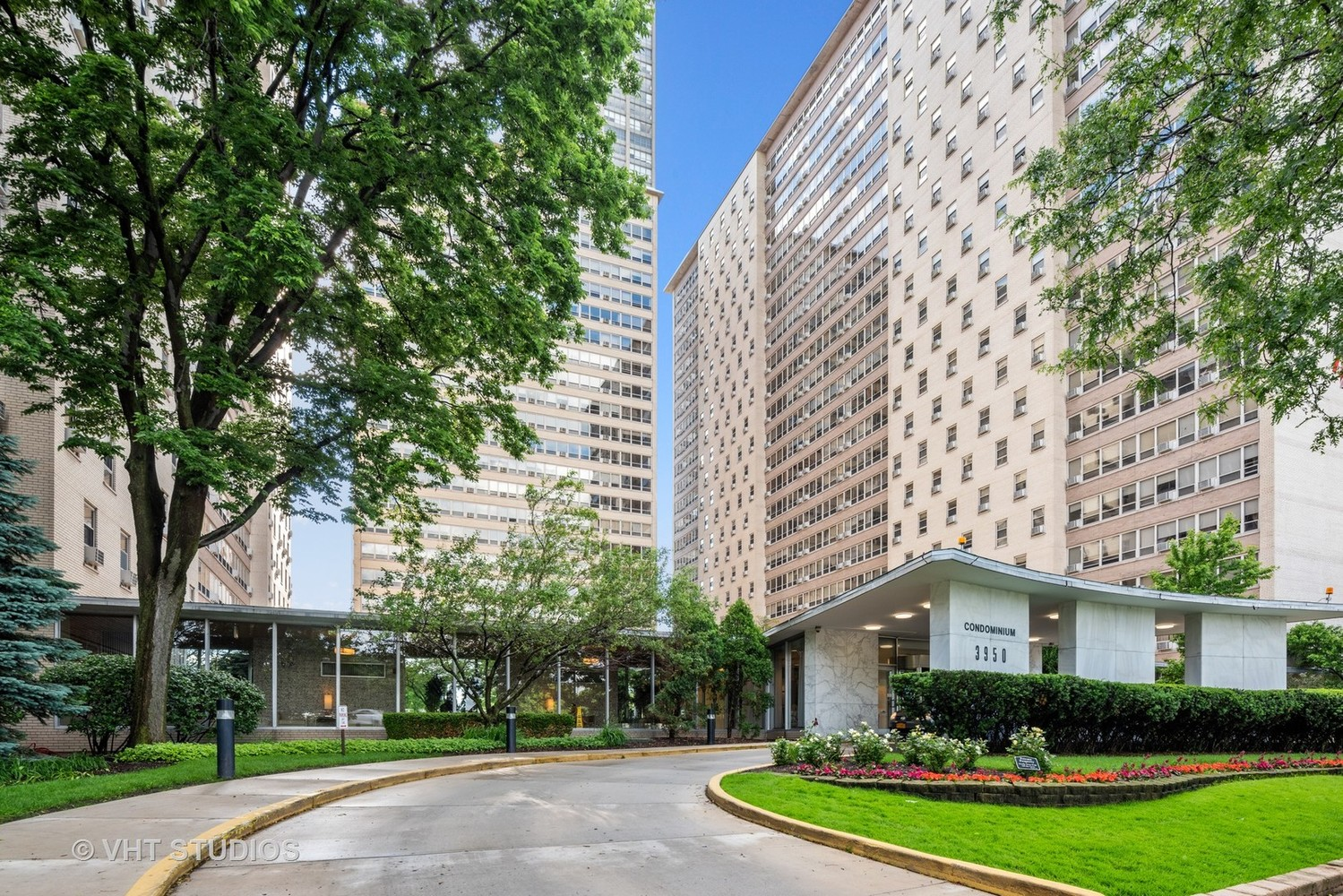 3950 North Lake Shore Drive, Unit 1415C Chicago, IL 60613