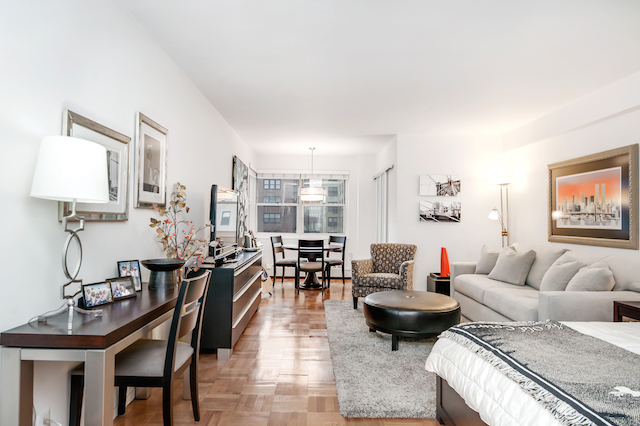 315 East 69th Street, Unit 8G Image #1