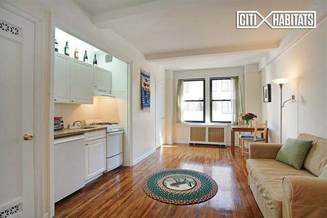 457 West 57th Street, Unit 1012 Image #1