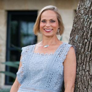 Amanda Pettitt, Agent in Austin - Compass
