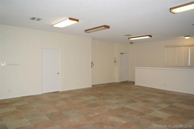 3001 Griffin Road, Unit A Davie, FL 33312