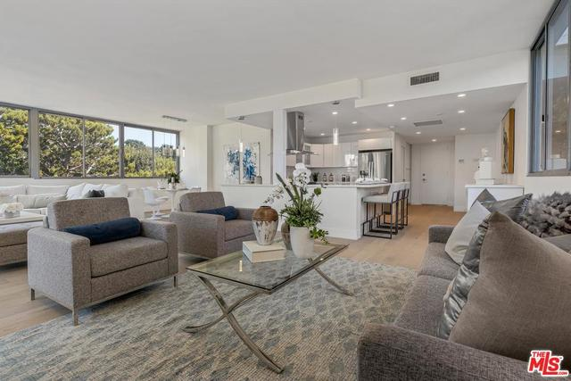 17352 Sunset Boulevard, Unit 401 Pacific Palisades, CA 90272