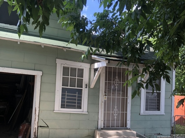329 Hot Wells Boulevard San Antonio, TX 78223