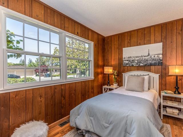 370 Juanita Way Los Altos, CA 94022