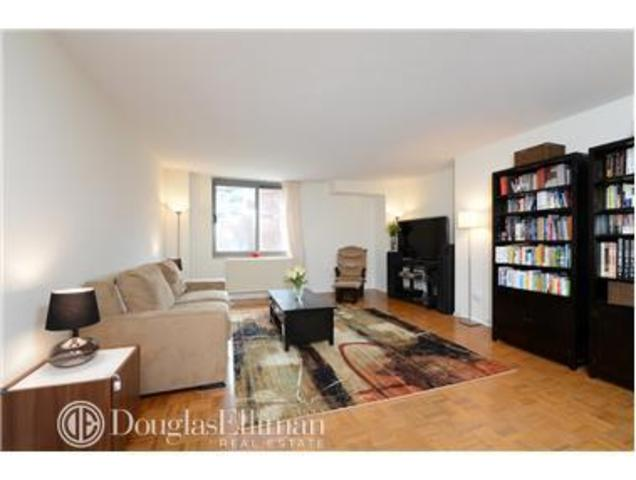 2 South End Avenue, Unit 3B Image #1